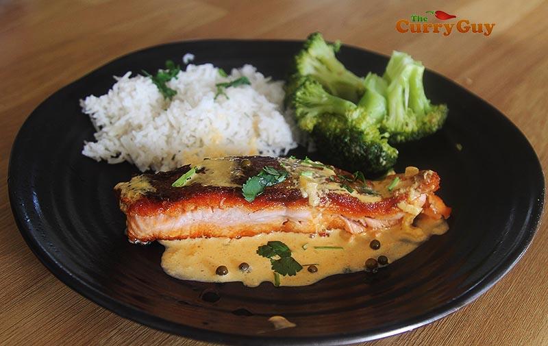 Salmon with saffron cream sauce