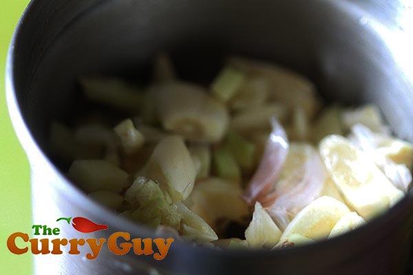 Garlic and ginger paste