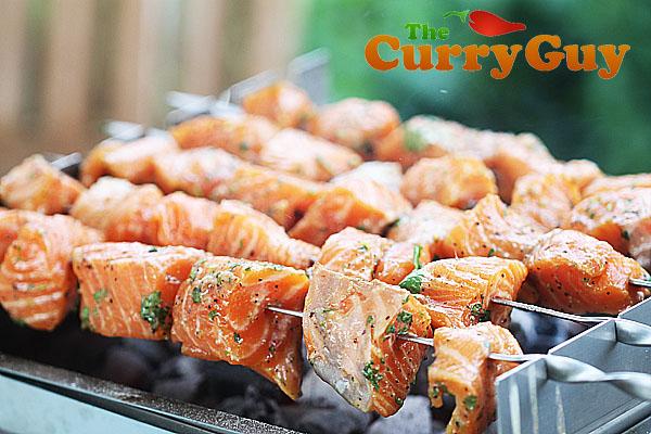 Salmon tikka on the THÜROS tabletop kebab grill.