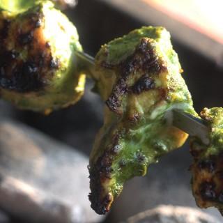 How To Make Hariyali Chicken Tikka Kebabs