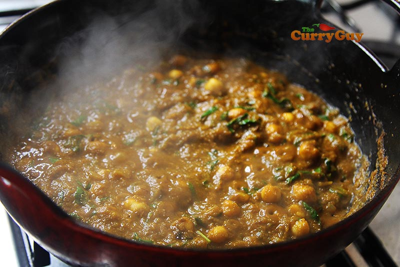 making chana saag