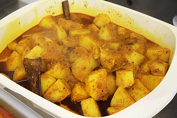 British Indian Restaurant Style Pre-Cooked Potatoes