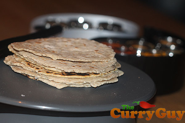 How to Make Chapati Bread - An Easy Indian Flat Bread