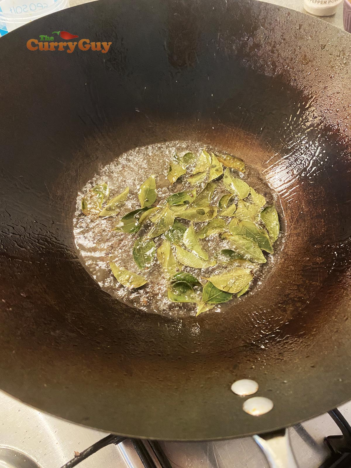 Infusing spices in oil